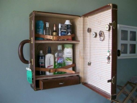 En modo botiquín o baño. No tires tu antigua maleta