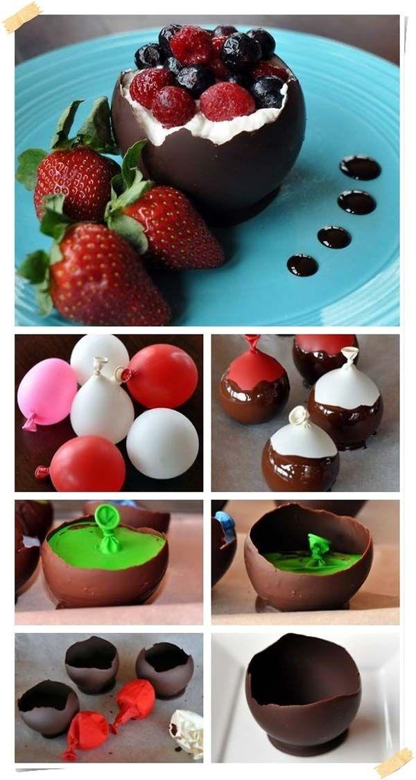 copas de chocolate y frutas