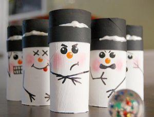 Como hacer muñecos de nieve con rollos de papel higiénico