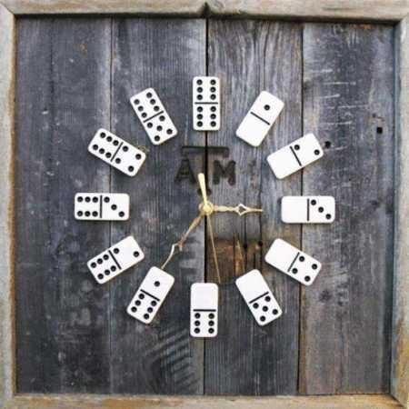 reloj domino