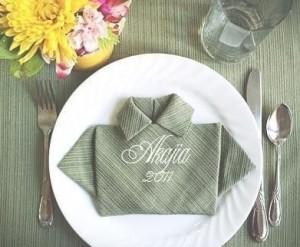 Doblando servilletas de manera original – Camisa